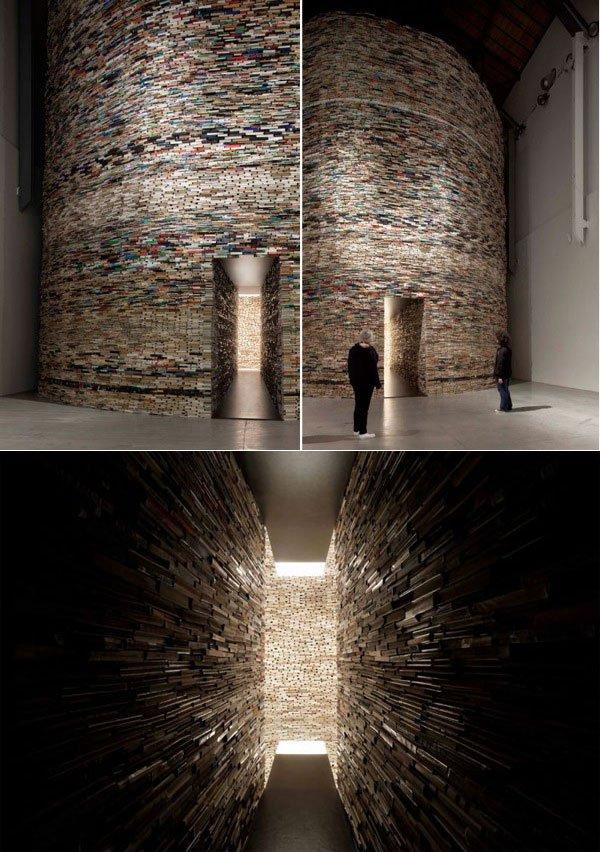 kitaplardan-yapilmis-yapilar-by-Matej-Krens-installation-Scanner