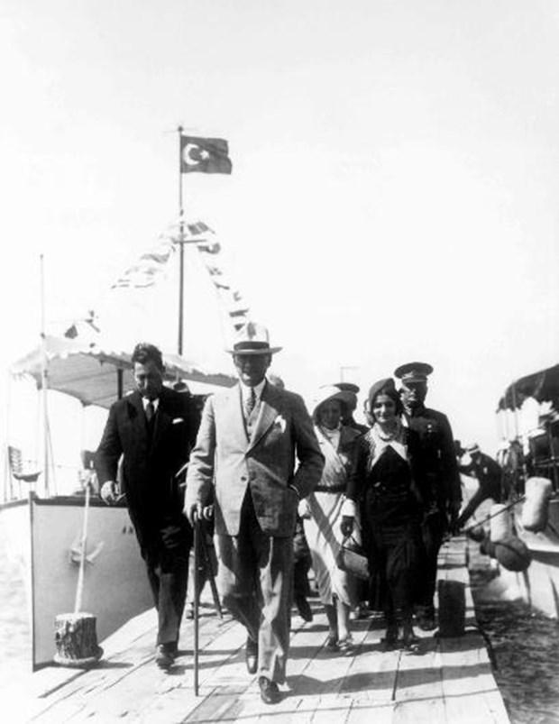 Mustafa-Kemal-Atatuk-un-bilinmeyen-fotografi-15