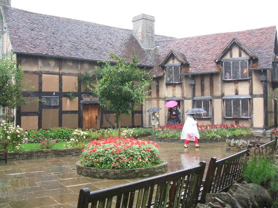 shakespeares-birthplace-in-stratford-upon-avon