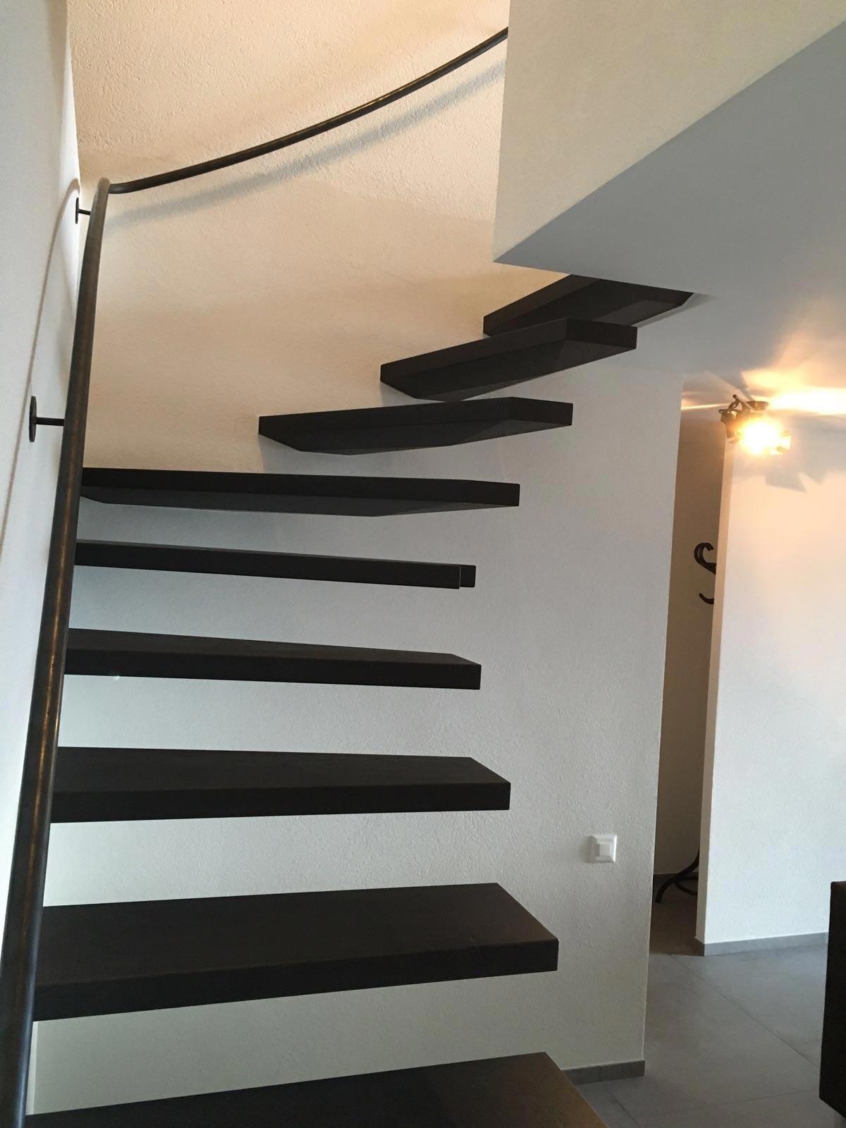 ES Anz 6119 escalier vtc 20 05 002 - Escaliers en apesanteurs