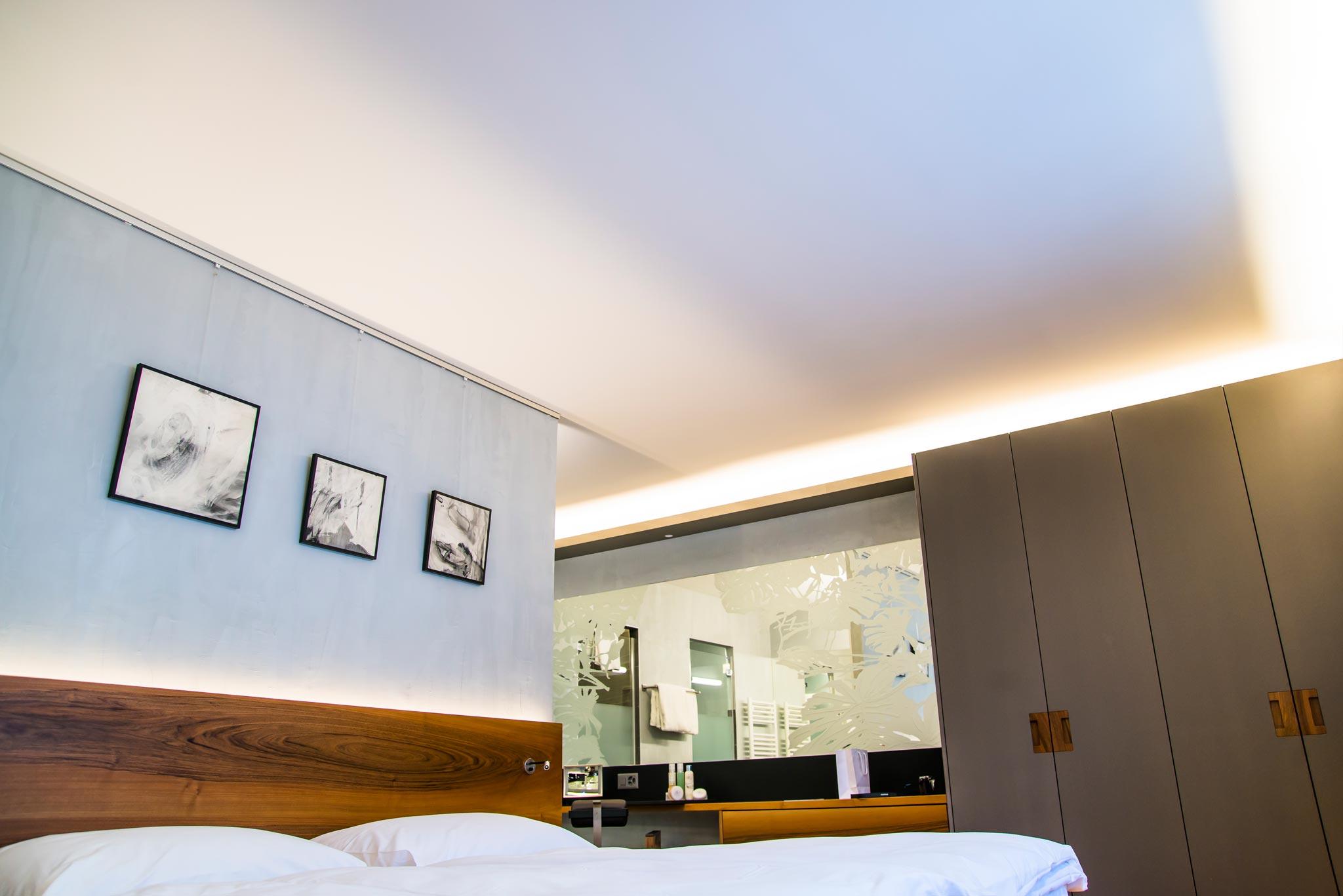 ES BainSaillon 6060 chambre hor 17 01 030 - ...Suite des bains de saillon