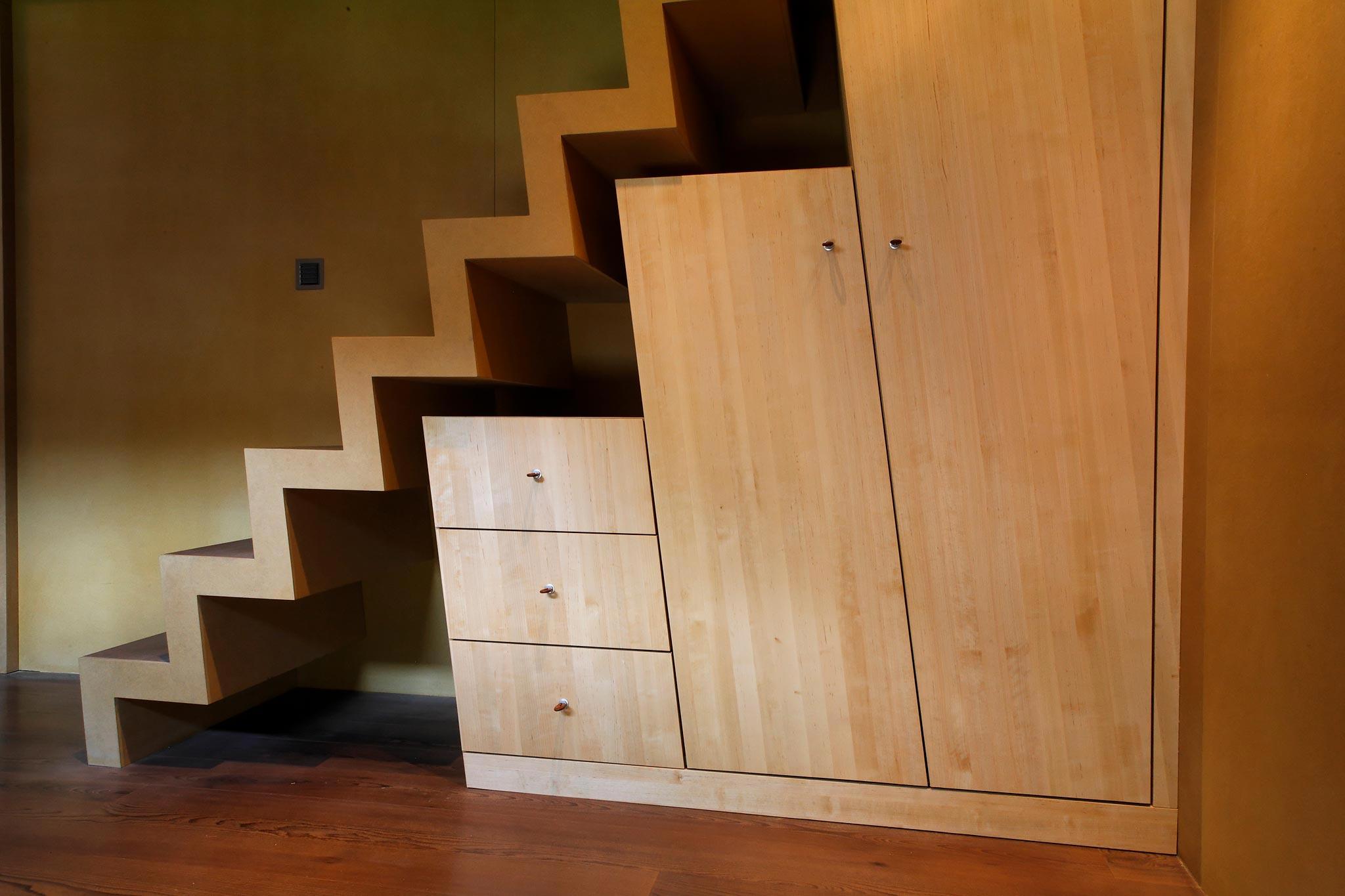 Es Gd Raccard 678 escalierEtage hor 20 05 009 - Le 2ème escalier du Grand Raccard