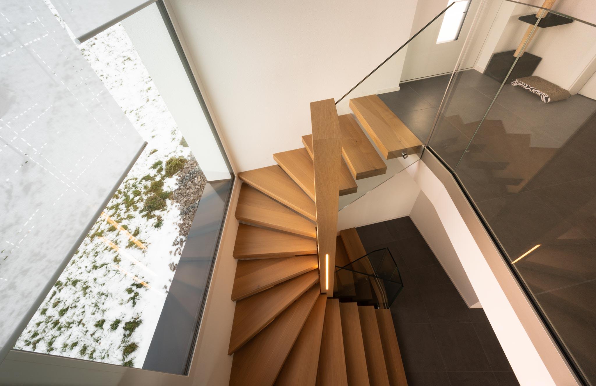 ES Gin 7697 escalier hor 21 01 0004 - Escalier à Cheyres (GJ)