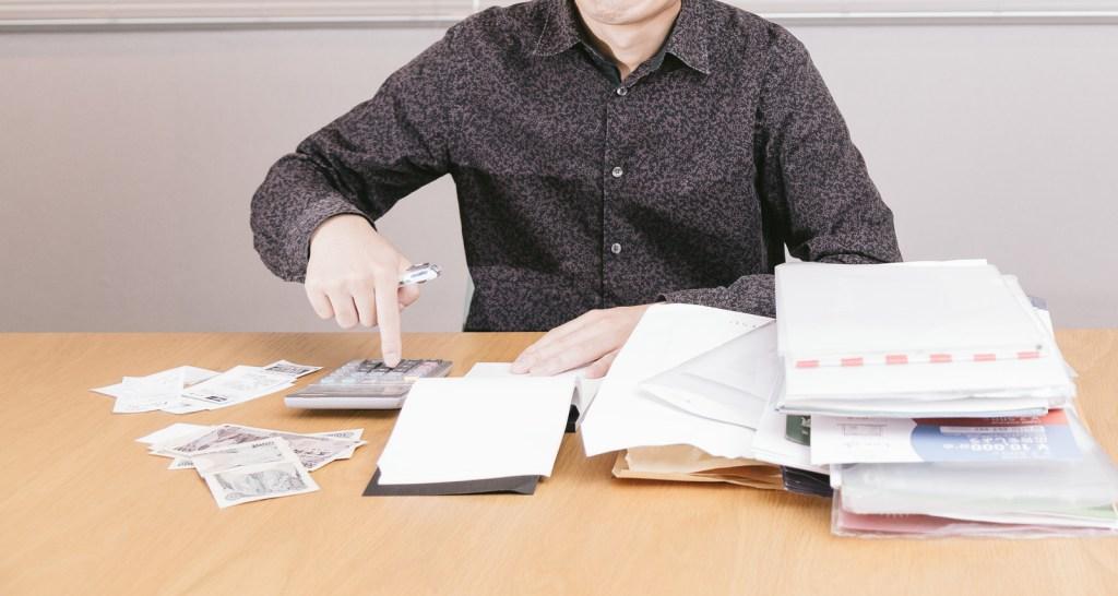 書類をめくる時は、指サックを付けなくても、ペロペロ舐めなくてもいいのです。