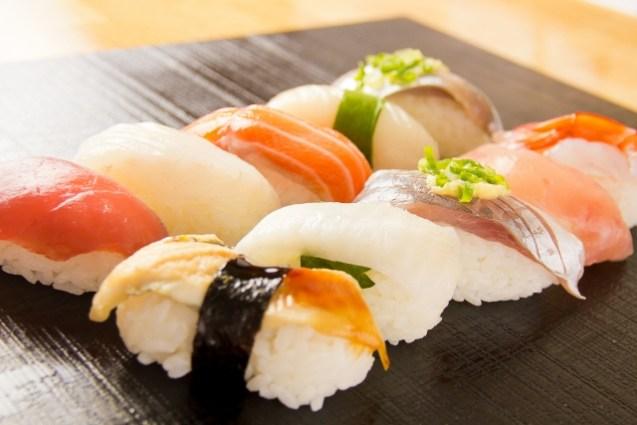 パック寿司をおいしく食べる方法とお店での基本的な食べ方