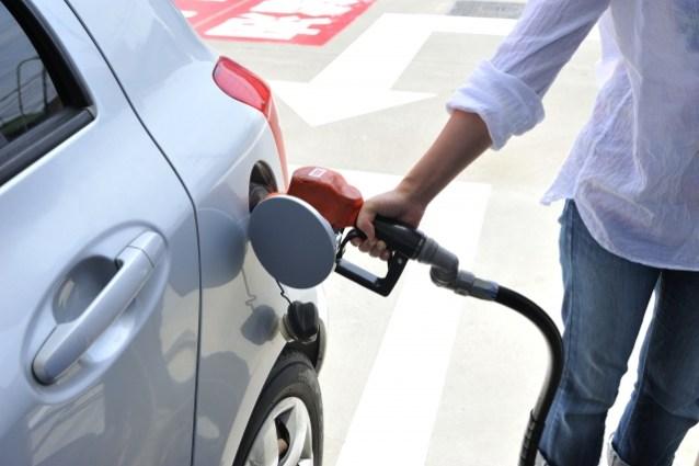 自動車の給油は必要な分だけ給油する方がメリットがある理由