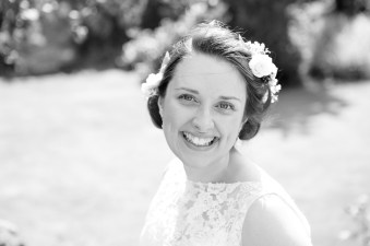 Somerford-hall-book-themed-natural-wedding-31