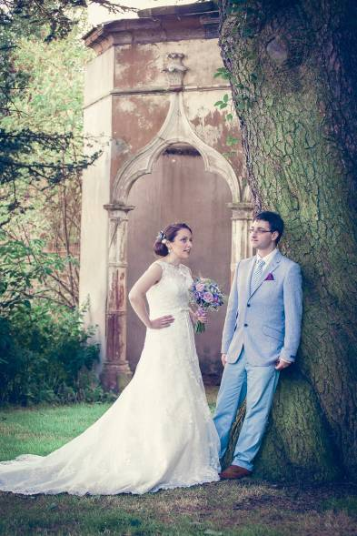 Somerford-hall-book-themed-natural-wedding-99