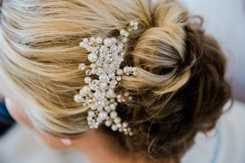 brides hair grip close up