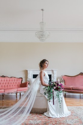Gold & Floral Styled Shoot019
