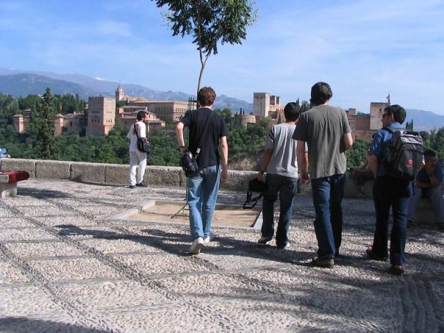 снимка на част от площад Сан Николас