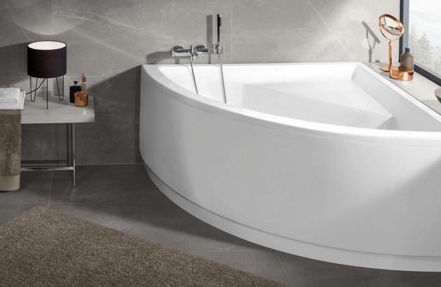 La Baignoire D Angle Ideale Dans Une Petite Salle De Bain Espace Aubade