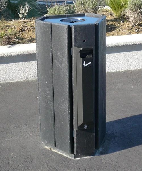 option cendrier pour corbeille en plastique recycle - option cendrier pour corbeilles PARC ESPACE URBAIN