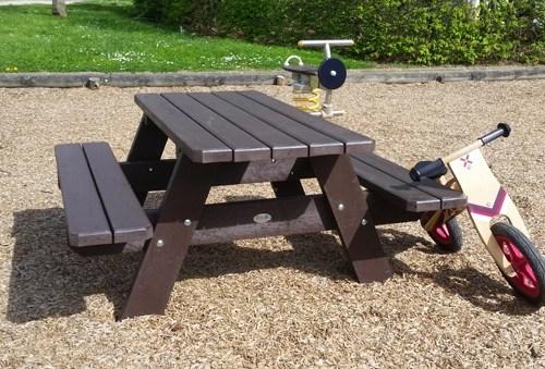 table pique-nique pour enfants en plastique 100% recycle - Table PARC junior ESPACE URBAIN