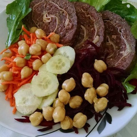 Amanh rocambole de carne com recheio queijo Encomende o seu!