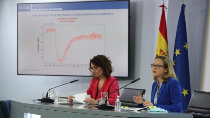 كالفينيو وخيسوس مونطيرو في المؤنمر الصحفي حول مشروع قانون إدارة الأموال الأوروبية