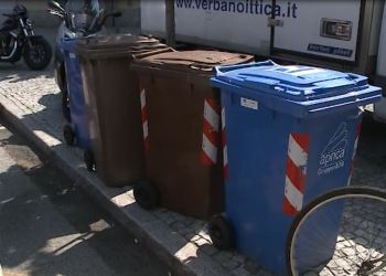 Bidoni per la raccolta rifiuti