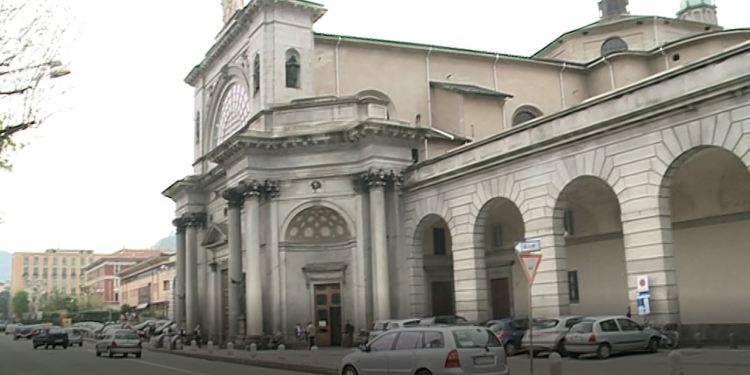 Esterni basilica del Santissimo Crocifisso di Como