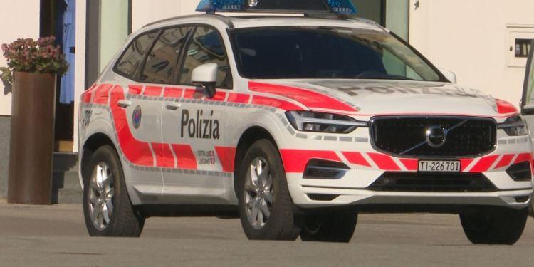 Un'auto della Polizia Cantonale