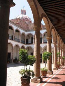 Interior del Palacio Federal, antigua escuela de Terecianas, Morelia