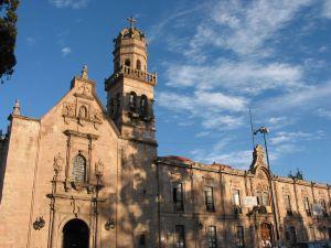 Santuario de Guadalupe de San Diego de San Francisco y Ex Convento de San Diego, hoy Facultad de Derecho y Ciencias Sociales de la UMSNH, en Morelia