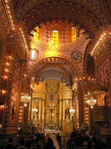 Vista del altar del Santuario de Guadalupe, Morelia