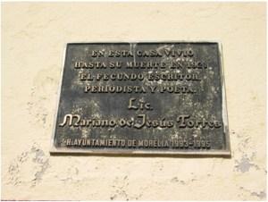 placa de la casa donde vivió Mariano de Jesús Torres