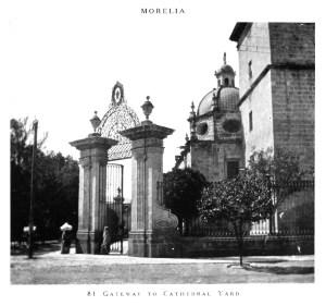 Puertas del Atrio de la Catedral.