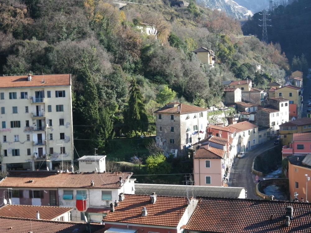 2011 Caina – Carrara (MS) – Edifici edilizia popolare
