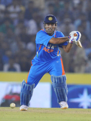 MS Dhoni once again kept his cool to seal a series victory, India v England, 3rd ODI, Mohali, October 20, 2011