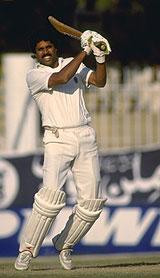 Kapil Dev batting against Pakistan in 1989