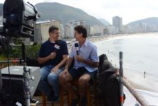 Rubens Pozzi (L) with analyst Mario Kempes reporting for ESPN Brasil (Mike Soltys / ESPN)