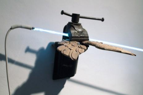 Genesi, 2009, ferro, legno, neon e trasformatore