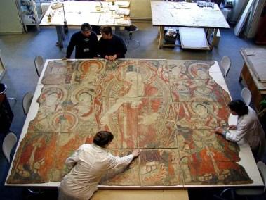 Il processo di restauro di un dipinto murale, Museo Statale Ermitage, San Pietroburgo