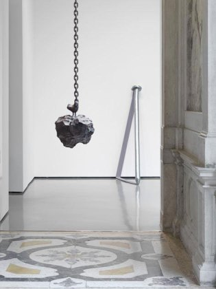 """Installation view, Urs Fischer, """"Madame Fisscher,"""" Palazzo Grassi, Venice, 2012. © Urs Fischer. Courtesy of the artist and Palazzo Grassi, Venice. Photo: Stefan Altenburger"""