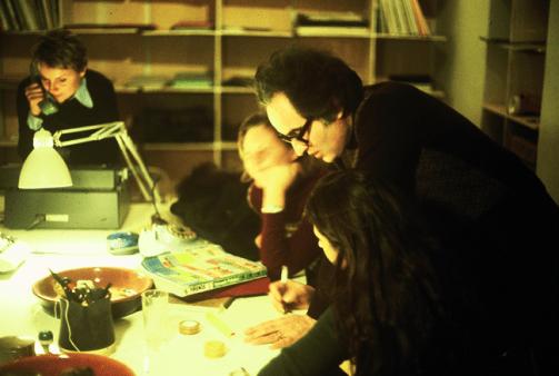 Giuseppe Chiari. Photo: Gianni Melotti. Courtesy: la Biennale di Venezia