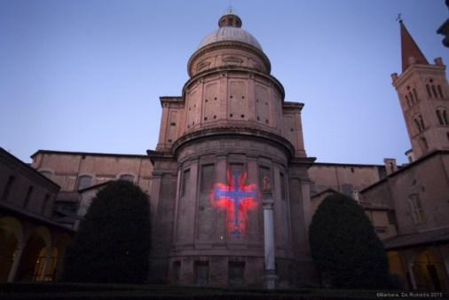 Nicola Evangelisti, Lux Inaccessibilis, veduta installazione alla Basilica di San Domenico, Bologna. Foto di Barbara De Romedis