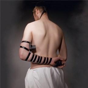 Lea Golda Holterman Untitled, dalla serie Orthodox Eros, 2009 – 2011 fotografia 100 x 100 cm