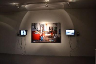 Installazione fotografica e video di Maria Crispal, Courtesy OltreDimore, Bologna