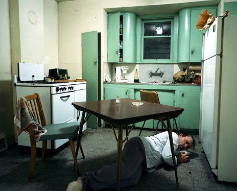 Jeff Wall, Insomnia, 1994, lightbox, 172 x 213.5 cm, Courtesy dell'artista
