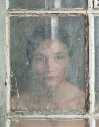 Elina Brotherus, Through the looking glass, 2011, pigment ink print on baryta rag paper - Effearte