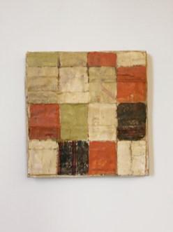 Mirco Marchelli, Mezza Bellezza, 2012 stoffa, cera, tempera e legno cm 45x45x5