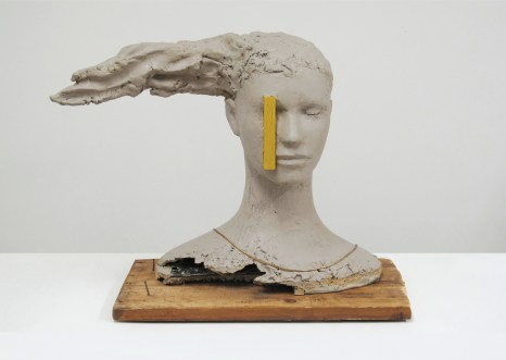 Mark Manders, Composition with Yellow Vertical, 2010, legno, resina epossidica dipinta, ferro, collana, cm 29x61x43, Collection Wadsworth Atheneum Museum of Art, Hartford