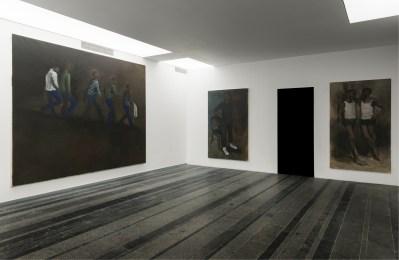 Da sinistra a destra: Lynette Yiadom-Boakye, Prospect for crude, 2010, olio su tela, cm 250x300; Confidences, 2010, olio su tela, cm 200x120; The trappings, 2012, olio su tela, cm 200x130 Courtesy PinchukArtCentre © 2012 Foto Sergey Illin