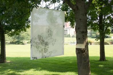 Premio Nocivelli 2012. Asako Hishiki - III Premio Pittura categoria over 25 - Psiche il sogno, 2012, xilografia su tessuto, 88x76 cm veduta di installazione nel Parco Nocivelli – Verolanuova (BS)