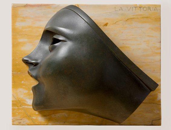 Adolfo Wildt, Vittoria, 1919, bronzo e marmo, cm 11.3x42x34.5, dimensione bronzo cm 36.5x36.2x11.3
