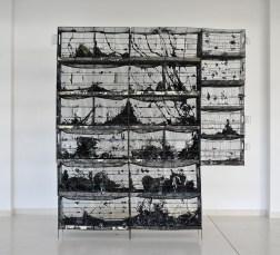 Mattia Vernocchi, Alveare, 2011, terracotta smaltata, ferro, cm 235x265x40. 58° Premio Faenza. Premio Monica Biserni