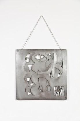 Justin Peyser, Acrobatic plate, 2012, acciaio e filo, 51x51cm