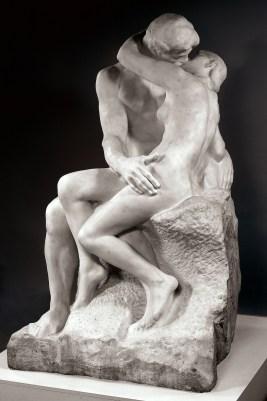 Auguste Rodin, Il bacio 1882 circa © Musée des Beaux-Arts de Dijon. Foto di Michel Bourguin