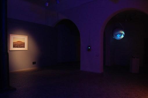 veduta della mostra Turn On The Bright Lights, Courtesy Guidi & Schoen Arte Contemporanea, Genova
